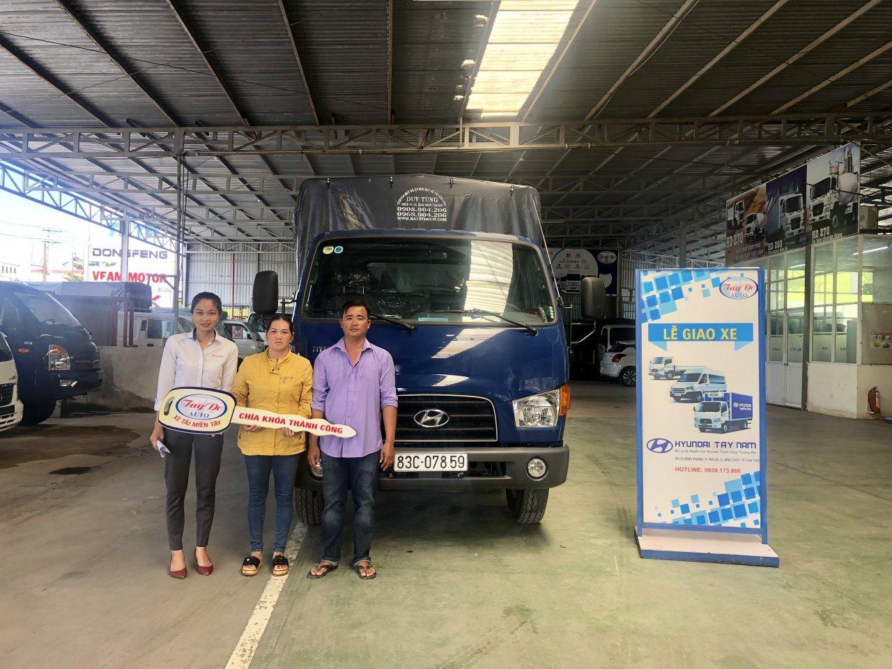 chị Thúy ở Đồng Tháp với nhu cầu mua xe tải mui bạc đã quyết định chọn mua xe tải Hyundai tại Đại Lý Hyundai Miền Nam.