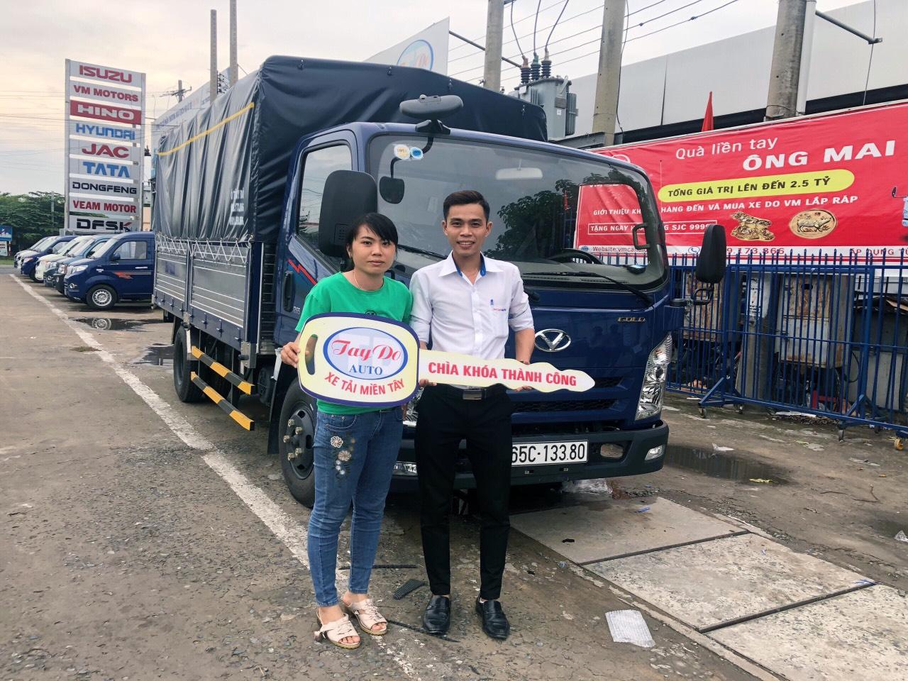 chị Thúy ở Đồng Tháp với nhu cầu mua xe tải mui bạc đã quyết định chọn mua xe tải Hyundai IZ65 tại Đại Lý Hyundai Miền Nam.