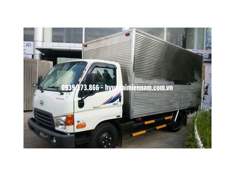 Xe tải Hyundai 1.7 tấn thùng kín - HD65